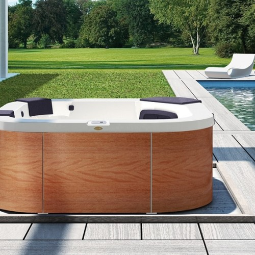 Delfi-Hot-Tub-Garden overlay